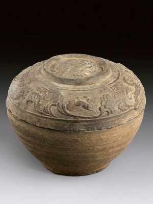 Pottery bowl and cover with animals