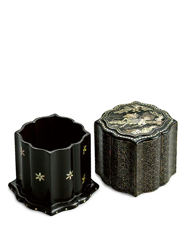 Lacquer and inlaid mother-of-pearl box with qilin
