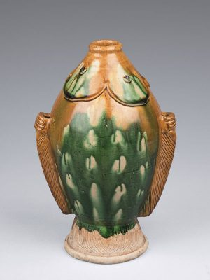 Sancai pottery bottle of twin-fish form