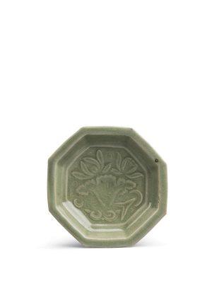 Yaozhou stoneware saucer of octagonal form