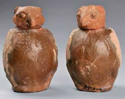 Fig. 1 Pair of owl-shaped pottery jars, Henan Museum