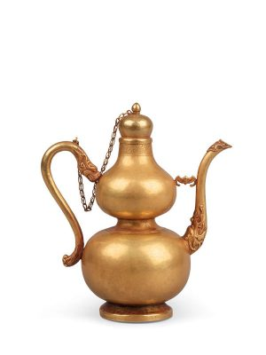 Gold wine ewer