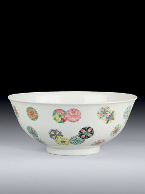 Porcelain enamelled bowl