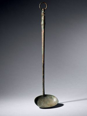Bronze wine ladle with dragon handle