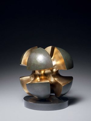 Bronze model of the sculpture 'Poetic inspiration, Ray,' by Sakae Toshiaki