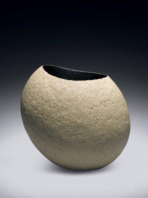 Ceramic bowl by Tomoko Kawakami