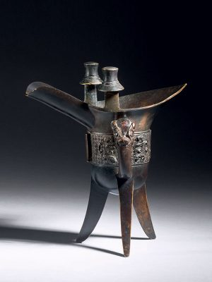 Bronze ceremonial libation vessel, <em>jue</em>
