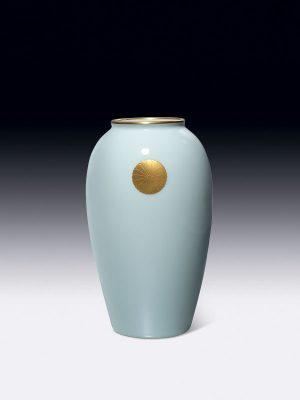 Fukugawa porcelain vase