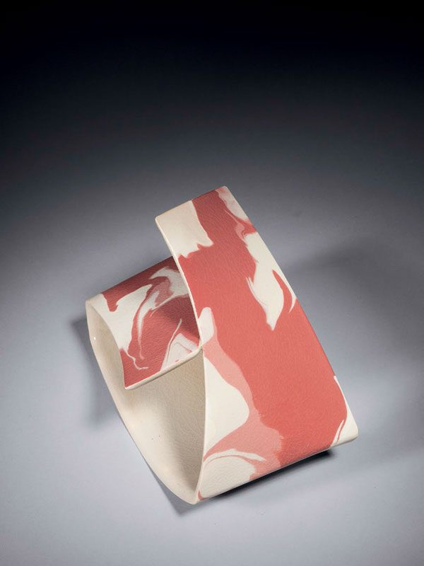 Ceramic imitation of folded fabric by Setsu Junji