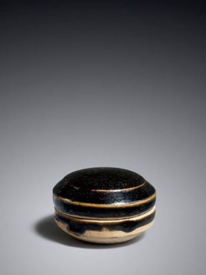 Stoneware box with black glaze