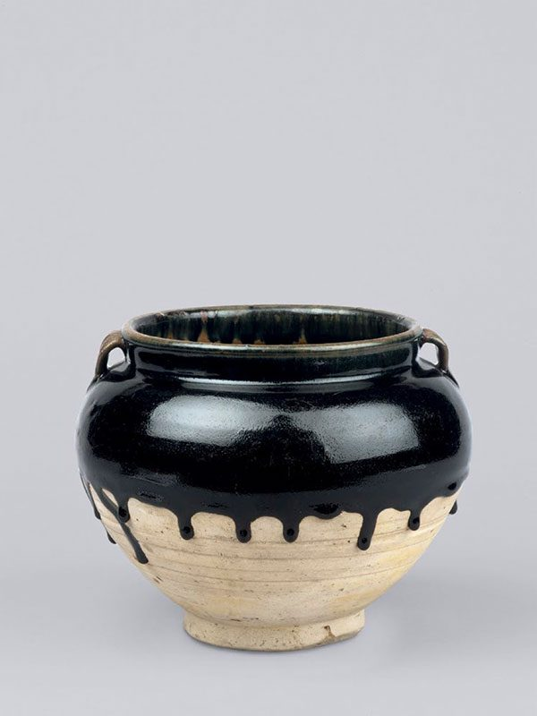 Cizhou stoneware jar with black glaze