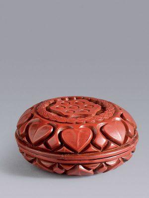Lacquer circular 'lotus' box