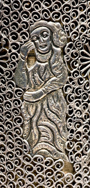 Silver filigree case with European figures
