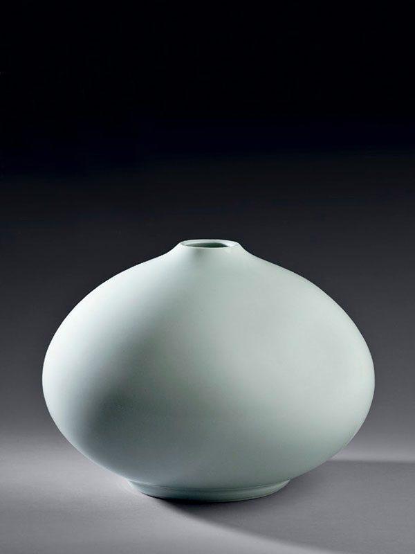 Porcelain Vase By Inoue Manji (1929 -)