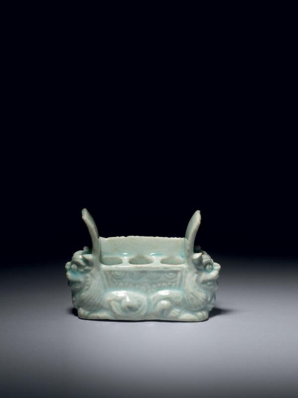 Qingbai porcelain brush holder