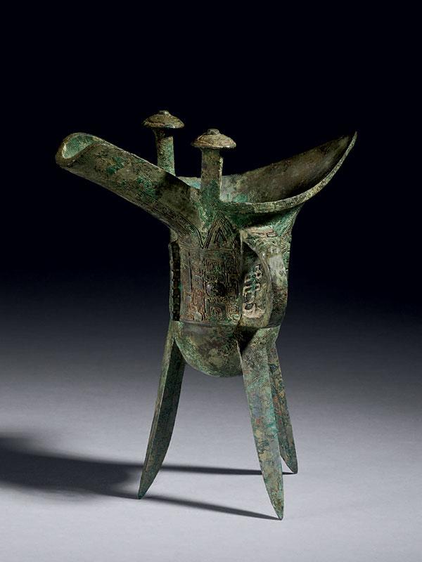 Bronze ceremonial libation vessel <em>jue</em>, of royal provenance