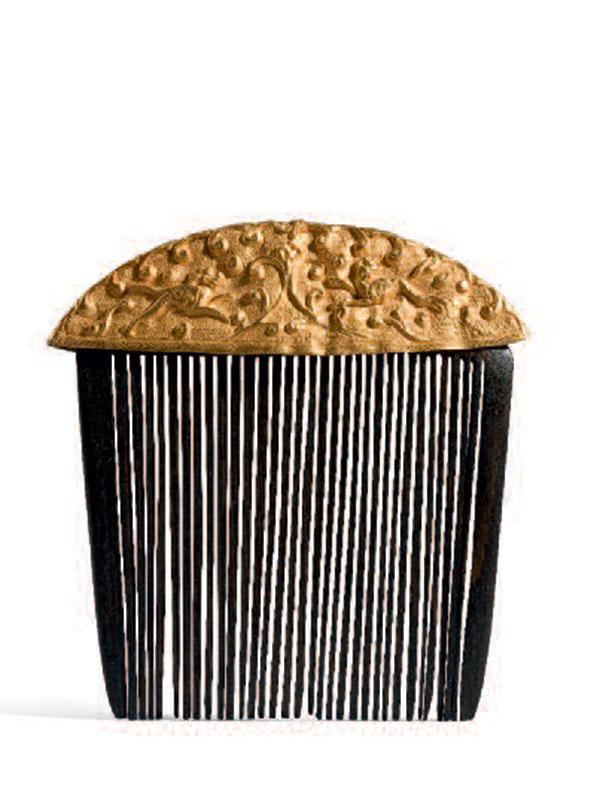 Gold repoussé comb top