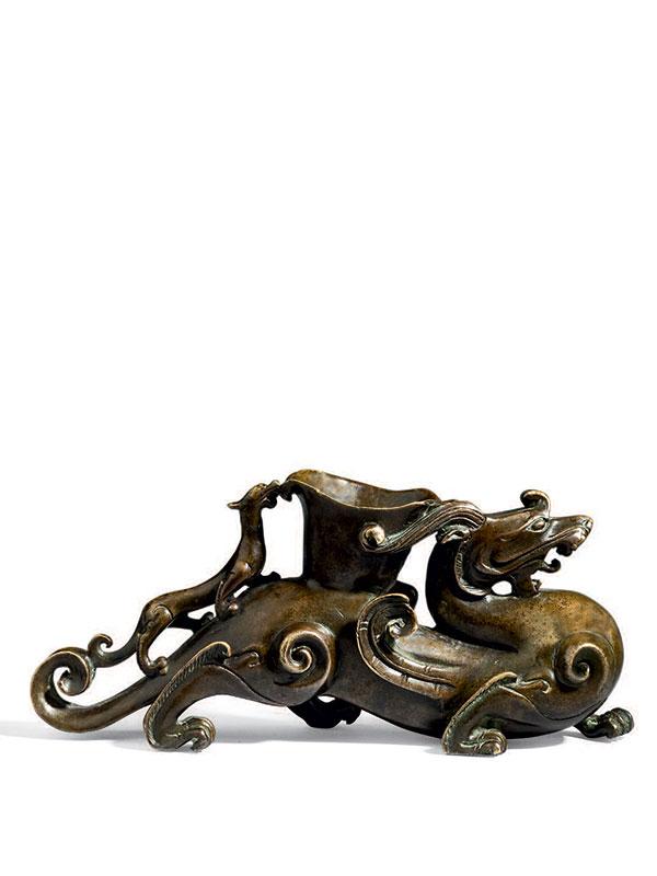 Bronze mythical creature, <em>bixie</em>