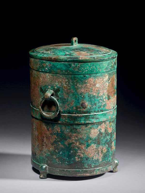 Bronze vessel of cylindrical form  <em>zun</em>