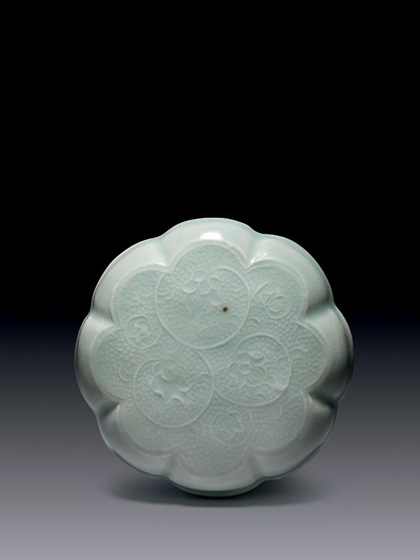 <em>Qingbai</em> Porcelain Cosmetic Box