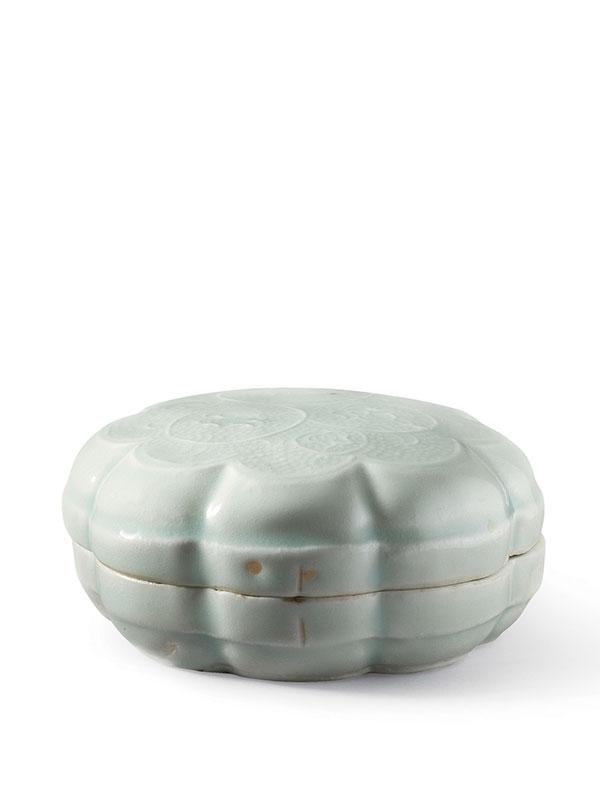 Qingbai porcelain cosmetic box