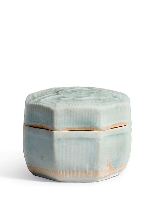 Qingbai porcelain octagonal box