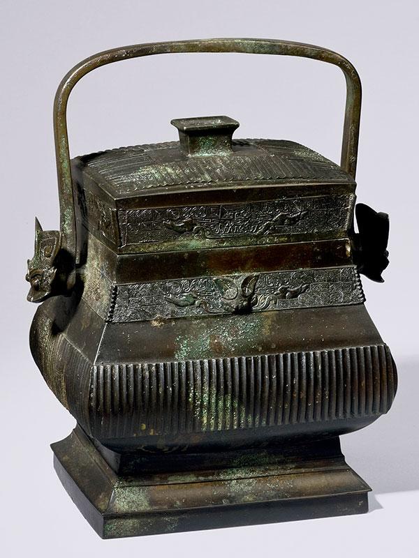 Bronze vessel of archaic form <em>fang you</em>