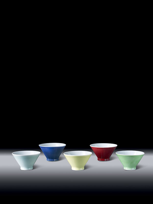 Five coloured porcelain bowls by Matsubayashi Hosai