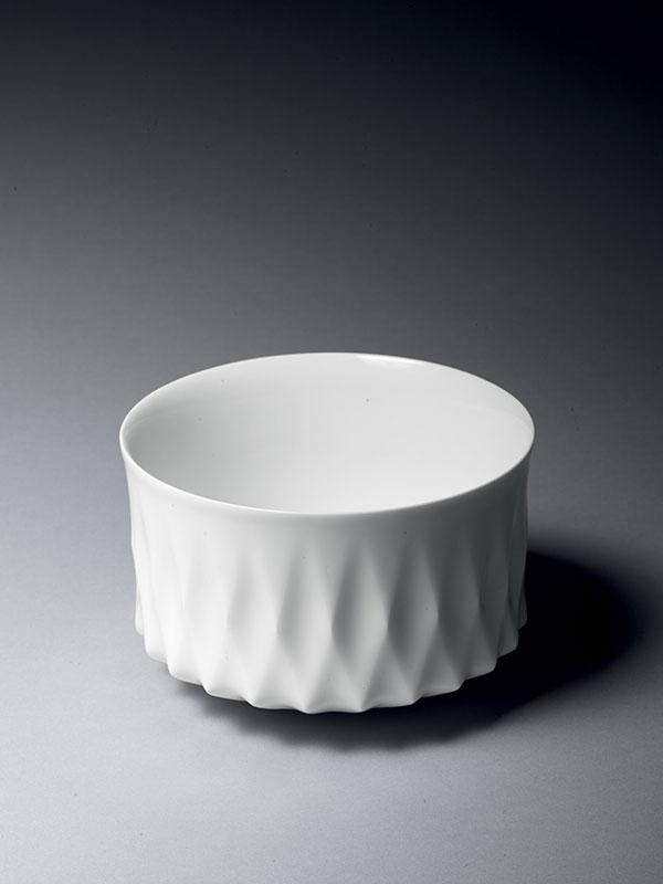 White porcelain bowl by Yoshinoro Ohno