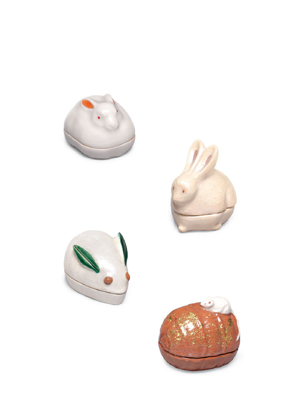 Four pottery incense powder boxes from Japan