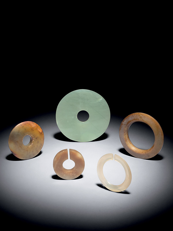 Five hardstone rings