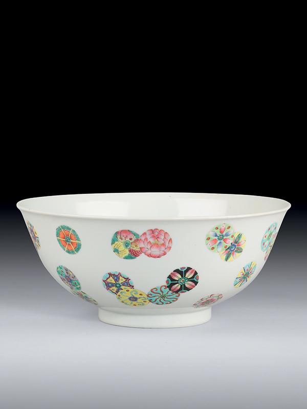 Porcelain enamelled bowl