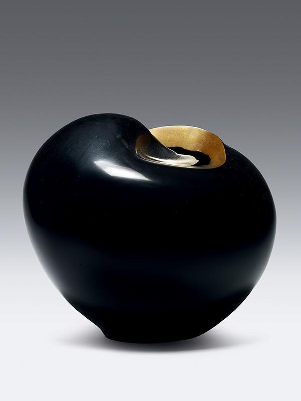 Dry lacquer flower vase