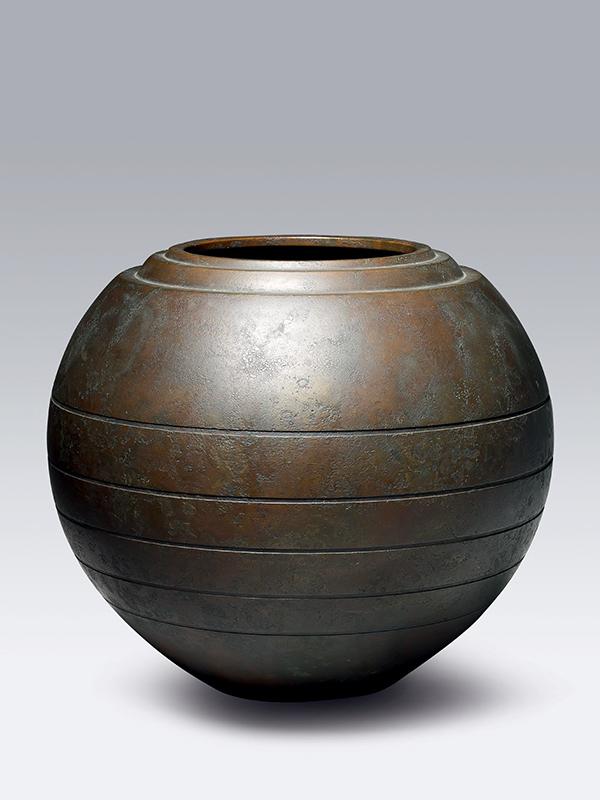 Bronze flower vase by Toyoda Katsuaki